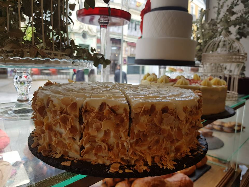 la mejor tarta de zanahoria de Sevilla. the best carrot cake seville