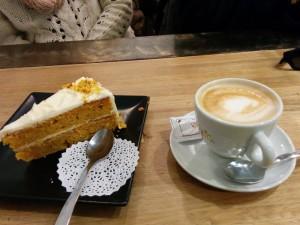 cafe con tarta de zanahoria sevilla