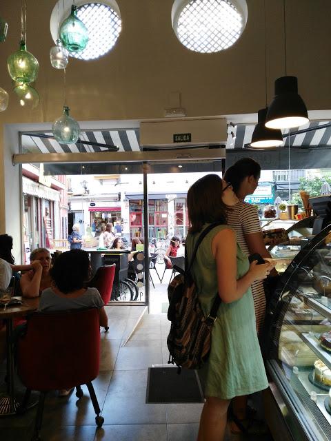 la cafeteria mas fresca de Sevilla. la cafeteria mejor climatizada de sevilla