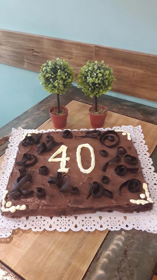 Tarta de Chocolate sin lactosa para 30 personas.