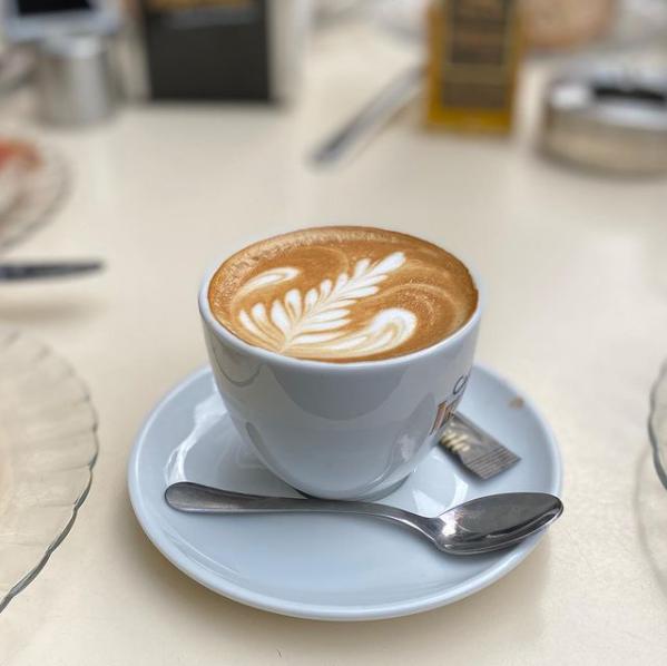 CAFETERÍA EN SEVILLA. LAS MEJORES CAFETERIAS DE SEVILLA. CAFÉ ARTESANO EN SEVILLA. BEST COFFEE SEVILLE